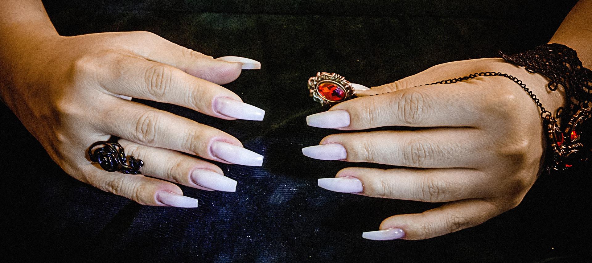 szablony do przedłużania paznokci